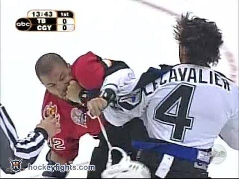Vincent Lecavalier vs Jarome Iginla May 29, 2004 redux