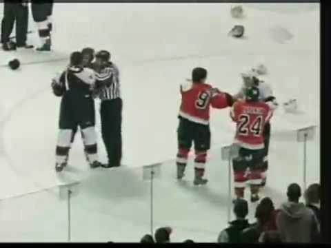Ottawa Senators vs Philadelphia Flyers Huge hockey fight!