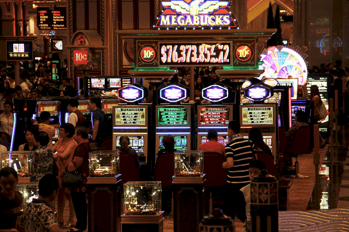 What to Expect At the Casino